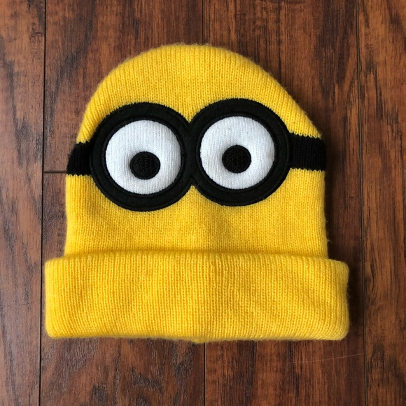 e0116e03b08 😈10 Items for  10😈 EUC Minion Beanie